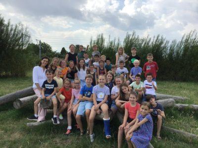 Onze klasfoto: De 32 toffe jongens en meisjes van onze klas!