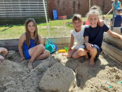 Joepie… naar de zandbak!