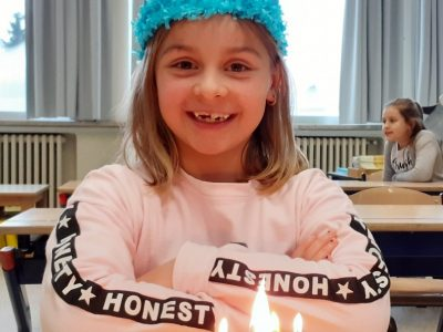 Nona is 7!